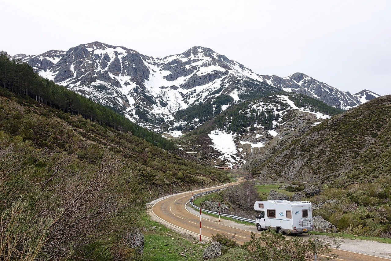 motorhome, camper, mountains